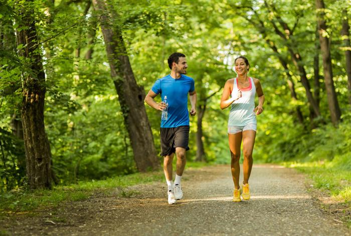couple-running-summer